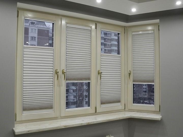 zhalyuzi-plisse-na-plastikovye-okna-montazh-bez-sverleniya-na-skotch